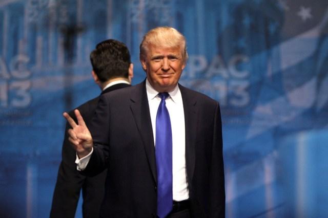 Trump prepara el terreno para vetar a Huawei℗ y otras compañias que supongan