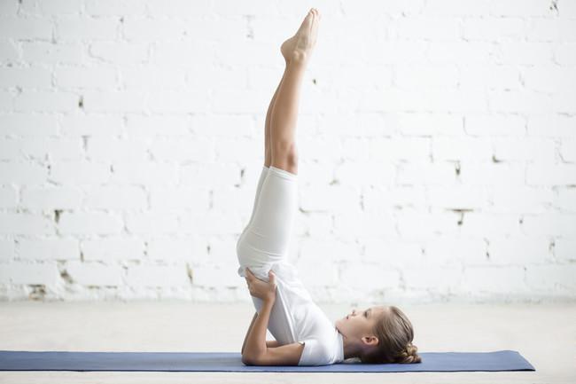 postura-vela-yoga