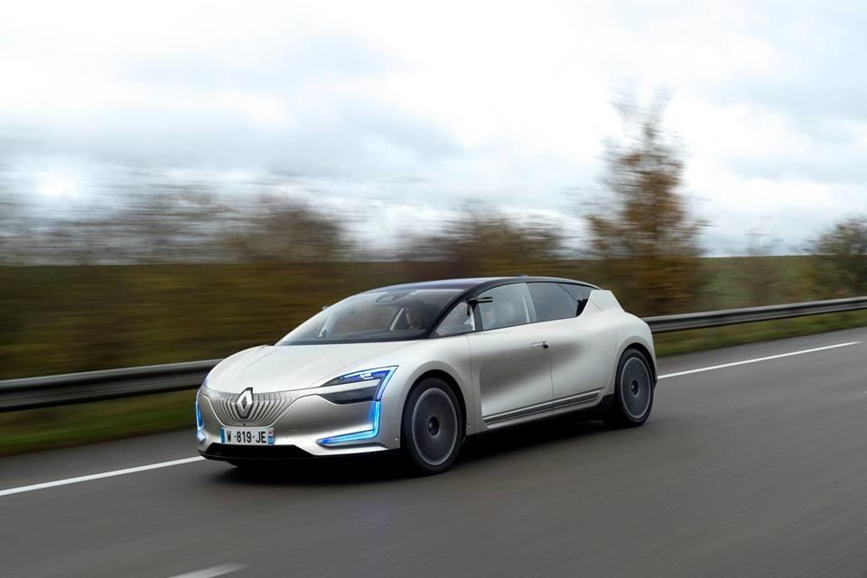 Permalink to Renault quiere adelantarse al mañana probando el Symbioz con nivel 4 de conducción autónoma en entorno real