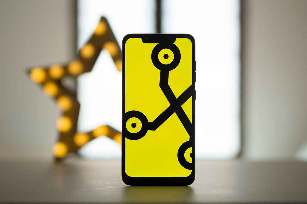 Ofertas en el iPhone® X, Pocophone F1 y Honor Play y el SuperWeekend de eBay® en Cazando gangas