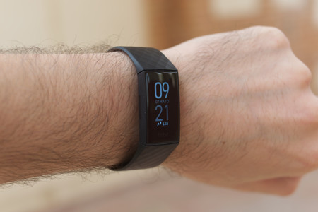 Fitbit Charge 4 9