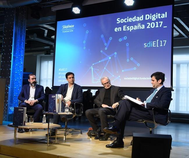 Permalink to La productividad laboral aumentaría un 11 % en España con inteligencia artificial, según el informe de la sociedad digital de 2017