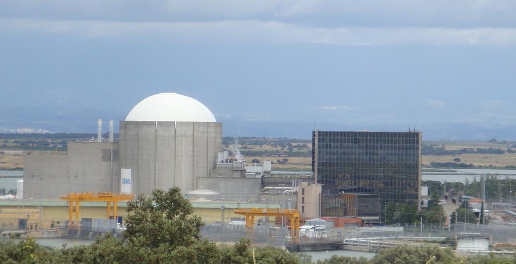 La central nuclear de Almaraz no se cierra: un acuerdo in extremis entre las eléctricas aplaza casi otra década el apagón nuclear