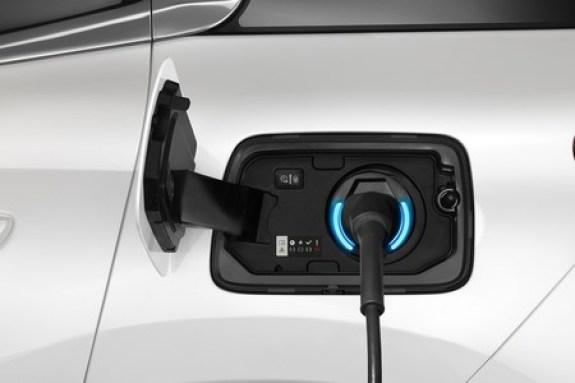 Alemania requerirá a todas las gasolineras del país a tener puntos de recarga para coches eléctricos, afirma Reuters