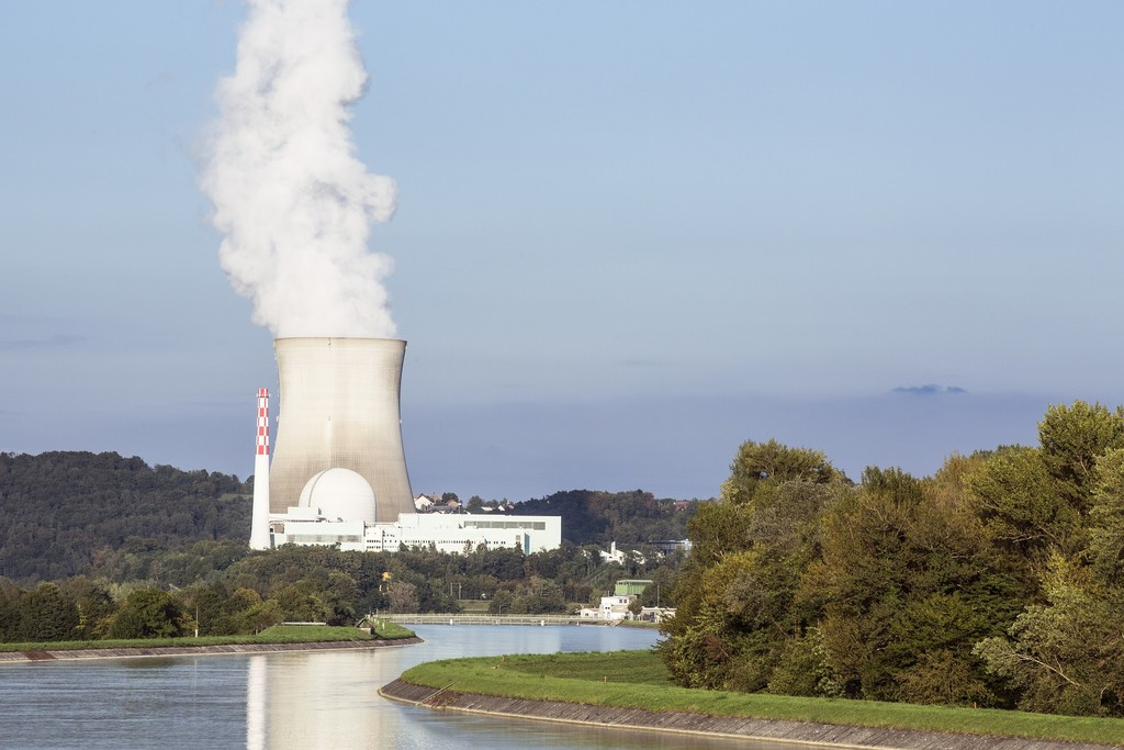 Derribando el mito de los 40 años de vida de una central nuclear: vida util frente a vida de diseño
