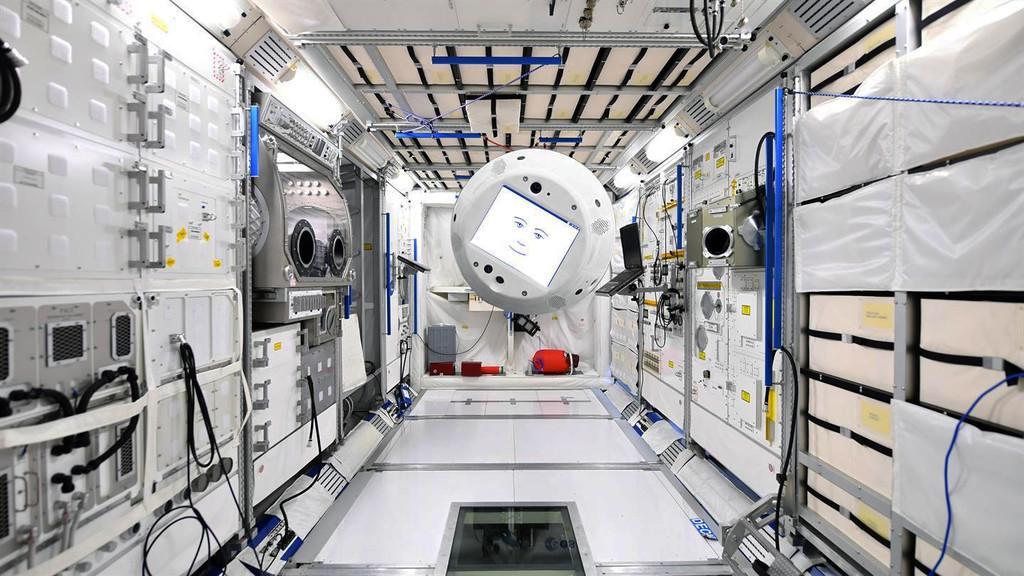 """Permalink to Un robot flotante con inteligencia artificial y """"cara"""" será el próximo astronauta en la Estación Espacial Internacional"""