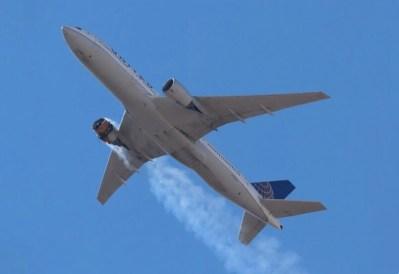 Boeing no levanta cabeza: tras el incidente con el motor en llamas ha ordenado suspender el vuelo de los aviones modelo 777