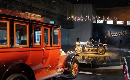 Museo Mercedes-Benz vídeo