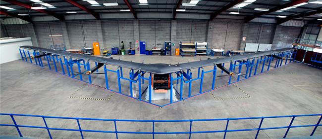 Dron Facebook