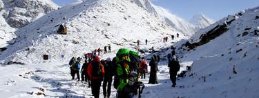 Tres horas de cola a 8.848 metros de altura: el Everest ya es otro monstruo turistificado