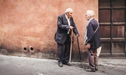El mayor estudio sobre la ética de los coches autónomos trae malas noticias para los ancianos (e incertidumbre sobre el futuro)