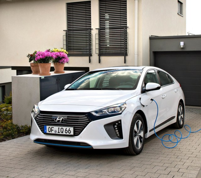 Hyundai Ioniq Plug In Plan MOVALT ayudas PHEV