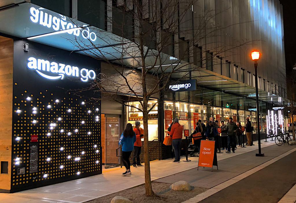 Los aeropuertos son el siguiente objetivo de Amazon® para extender sus tiendas sin cajeros, segun Reuters