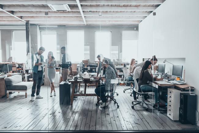oficina-trabajadores-enfermos
