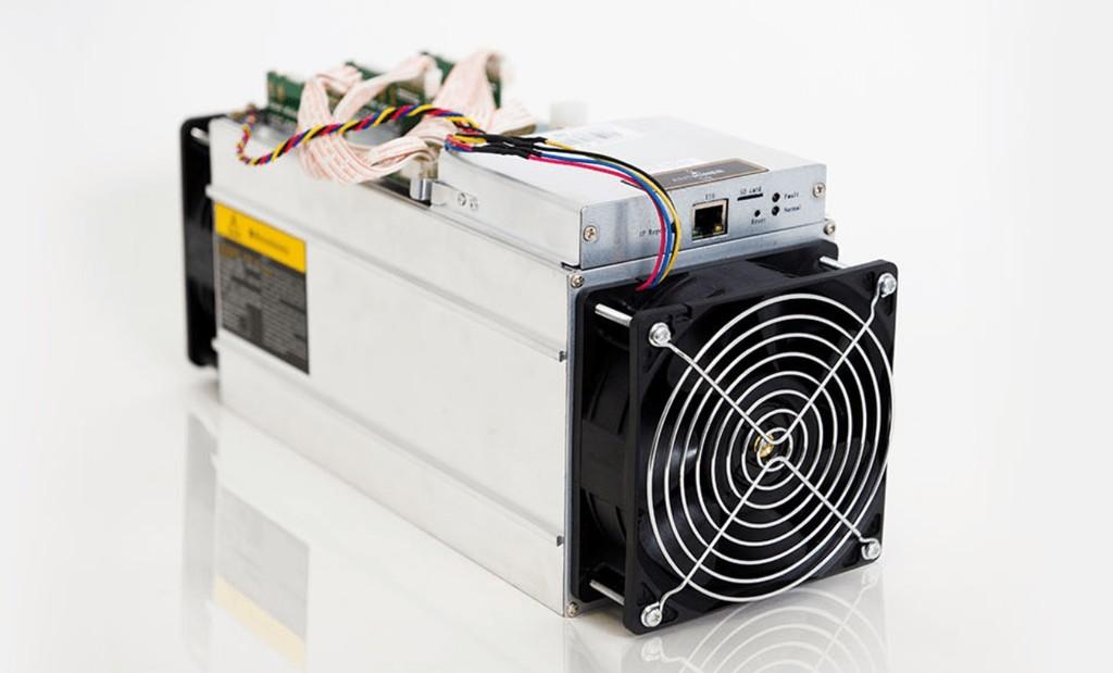 Ser minero de bitcoin es menos rentable que nunca: hay quien está desconectando sus máquinas y reciclándolas