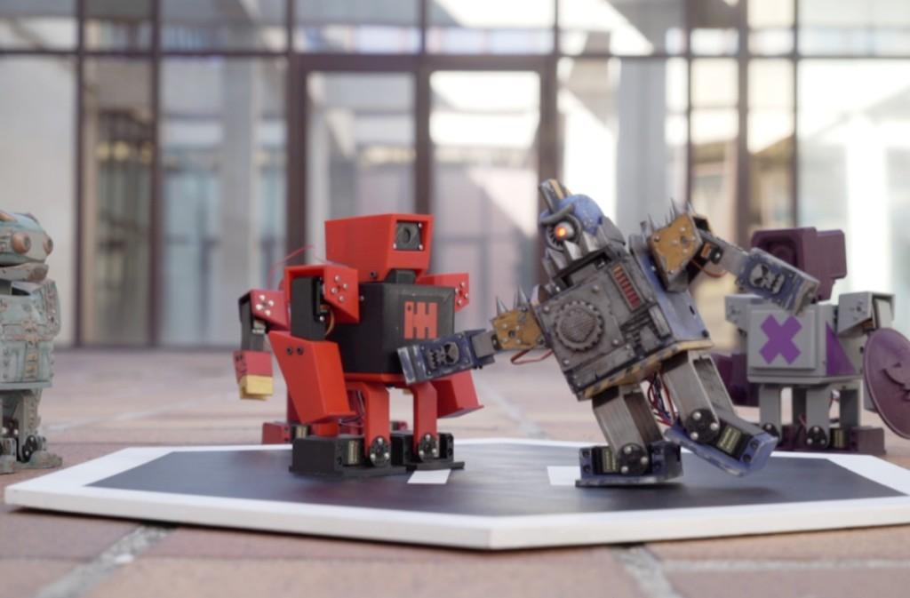 Los Zowimanoides son robots imprimibles 3D que bq nos acepta personalizar y programar para que luchen entre ellos sin cuartel