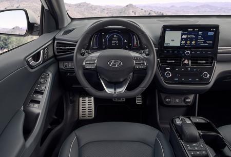 New Hyundai Ioniq Electric Interior 3