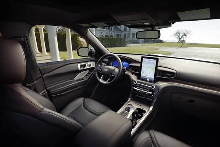 Ford Explorer 2020 03
