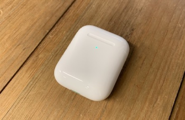 LED AirPods 2