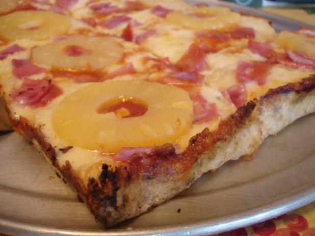 Hawaiian Pizza 1