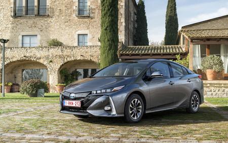 Toyota Prius Phev Gris