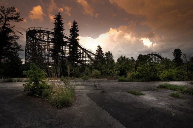 Abandonded Theme Park Seph Lawless 1