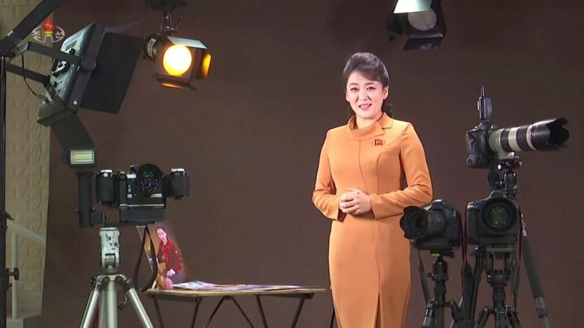 La historia de la fotografía contada por la televisión de Corea del Norte en un vídeo muy bizarro