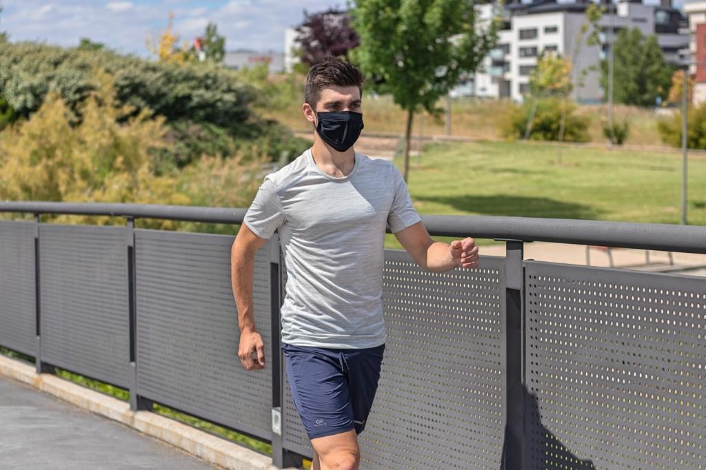 Decathlon presenta su primera mascarilla higiénica, reutilizable y apta para uso deportivo