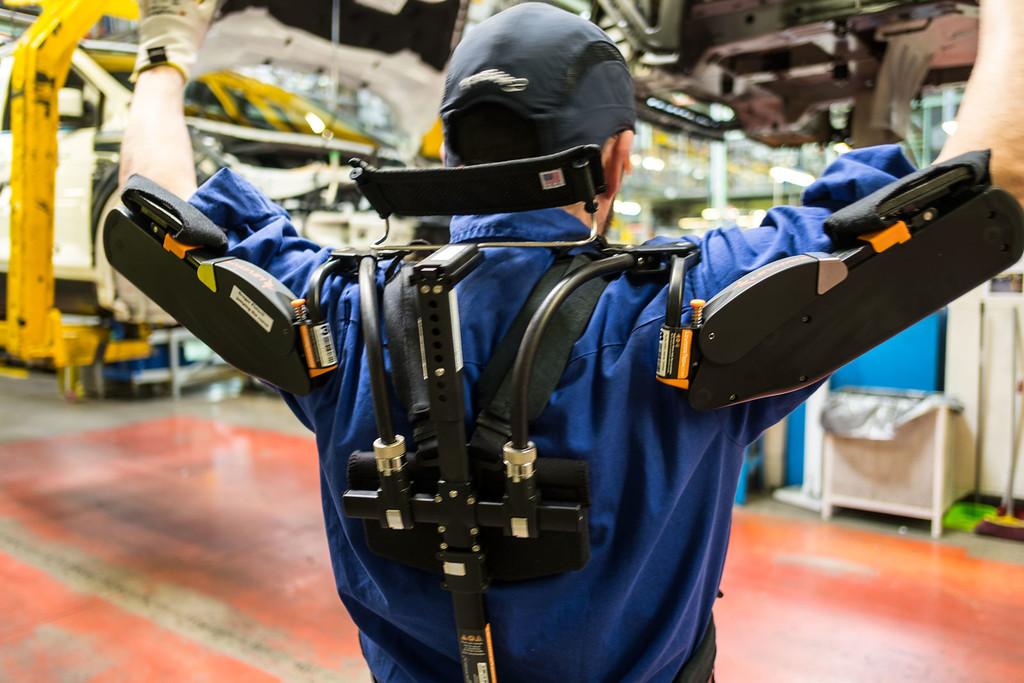 Permalink to Un exoesqueleto como uniforme de trabajo: hemos visitado una fábrica que los está probando
