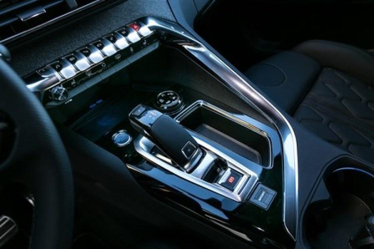 Peugeot 3008 2017 014