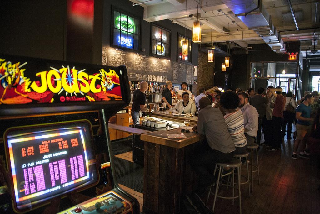 Permalink to Donkey Kong nunca estuvo más ebrio: así son los bares arcade que triunfan en todo el mundo