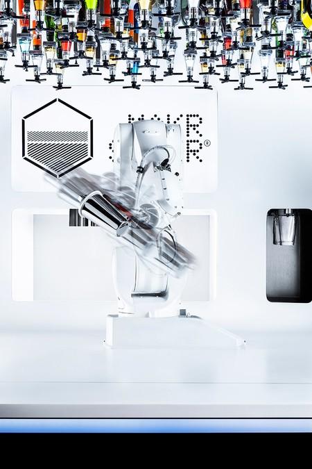 Toni The Robotic Bartender 3