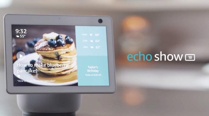 Amazon Echo Show 10 (2020): no solo tiene pantalla, sino que también gira para seguirnos cuando nos movemos