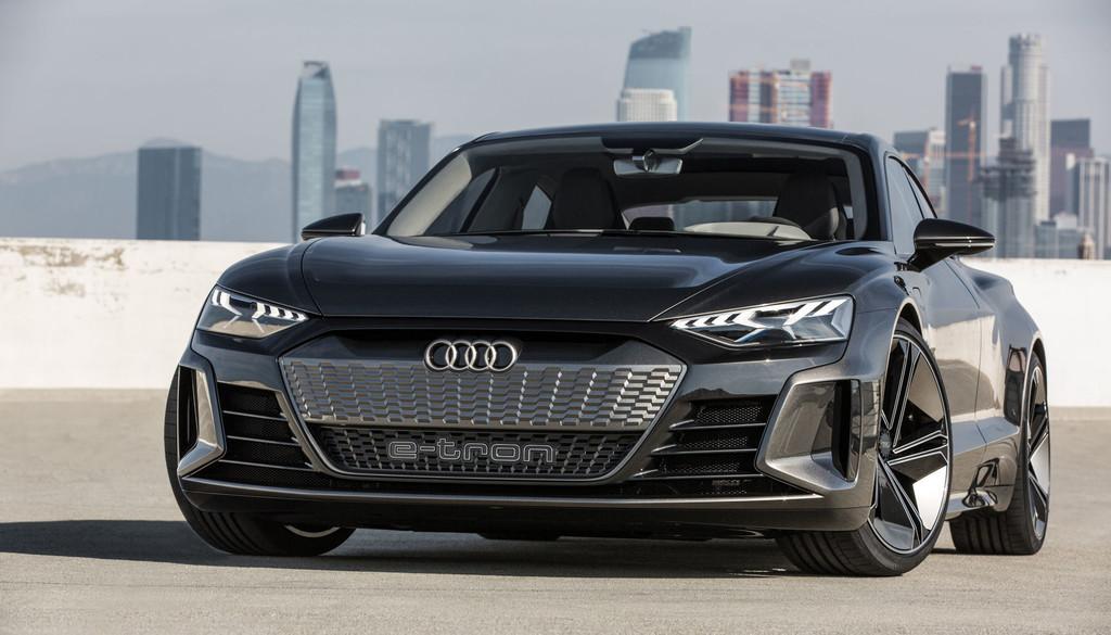 Audi E-Tron GT, una bestia deportiva con corazón eléctrico, 590 CV y 400 kilómetros de autonomía