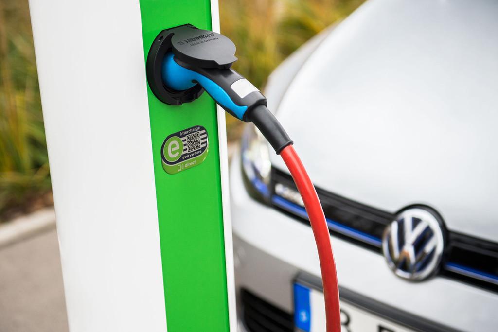 Permalink to El Gobierno reactiva las ayudas al coche ecológico con el plan VEA 2019: estas son las inversiones que llegarán en las próximas semanas