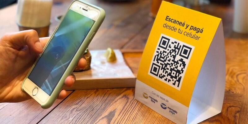 Mercado Libre ya permite en México usar sus créditos para pagar servicios, comida y hasta gasolina con códigos QR