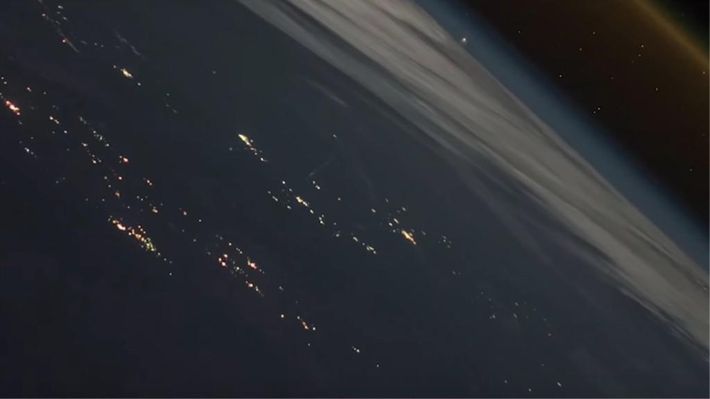 No, no es una escena de película o videojuego, es el lanzamiento de un cohete como nunca se había visto