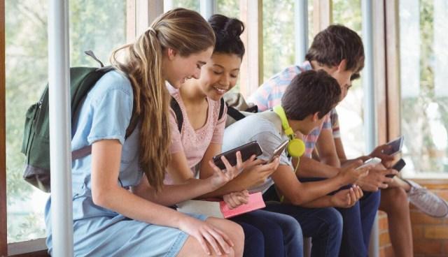 Mi 1er móvil: 11 smartmoviles baratos para niños y adolescentes