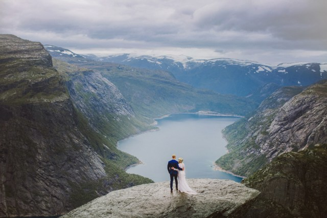Trolltunga Wedding Session Priscila Valentina 14
