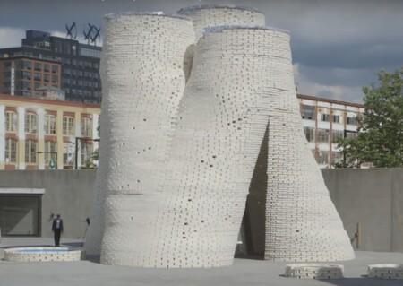Una construcción de 12 metros de altura hecha con hongos.