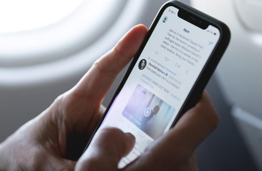 Los vídeos y los audios en Twitter pronto tendrán subtítulos automáticos