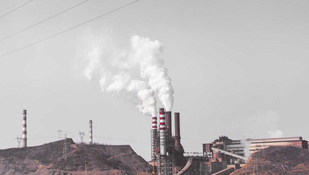 Nuestro optimismo climático se va por el sumidero del aumento económico: las emisiones aumentan por 1ª vez en 4 años