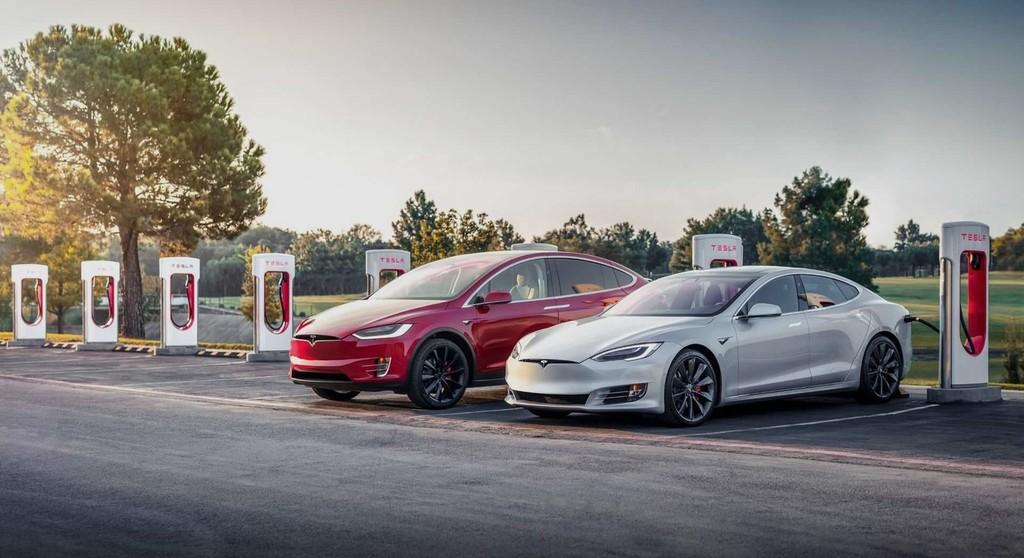 Los coches de Tesla pronto podrán hablar con los peatones como aviso acústico y Elon Musk deja ver un primer ejemplo