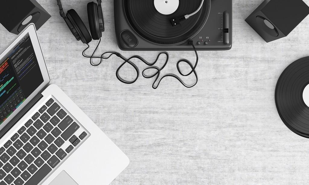 En esta web(www) encuentras música instrumental sin copyright para tus vídeos, sitios web, animaciones o presentaciones