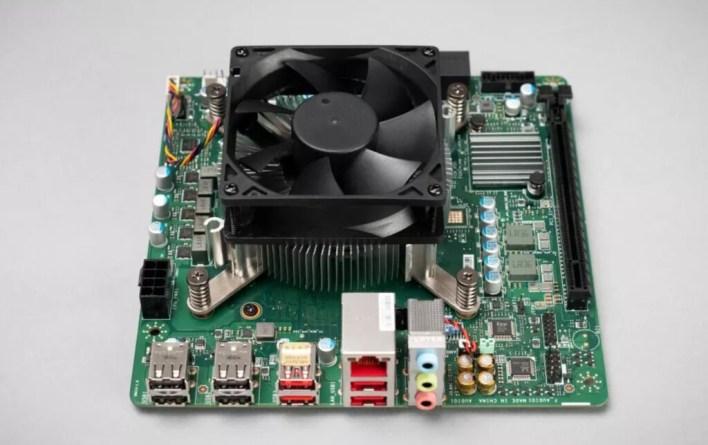 AMD pone a la venta un kit con el mismo procesador de la Xbox Series X, pero de ahí a construirte un PC equivalente media un mundo