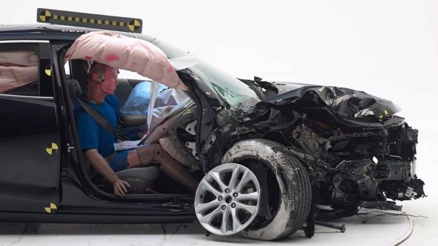 Iihs Crash Test Chevrolet Malibu