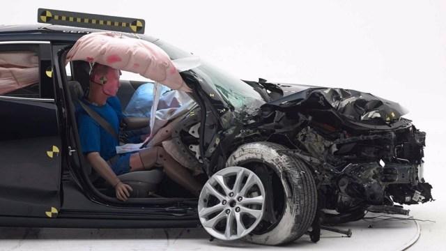 Iihs Crash Test Chevrolet Malibu