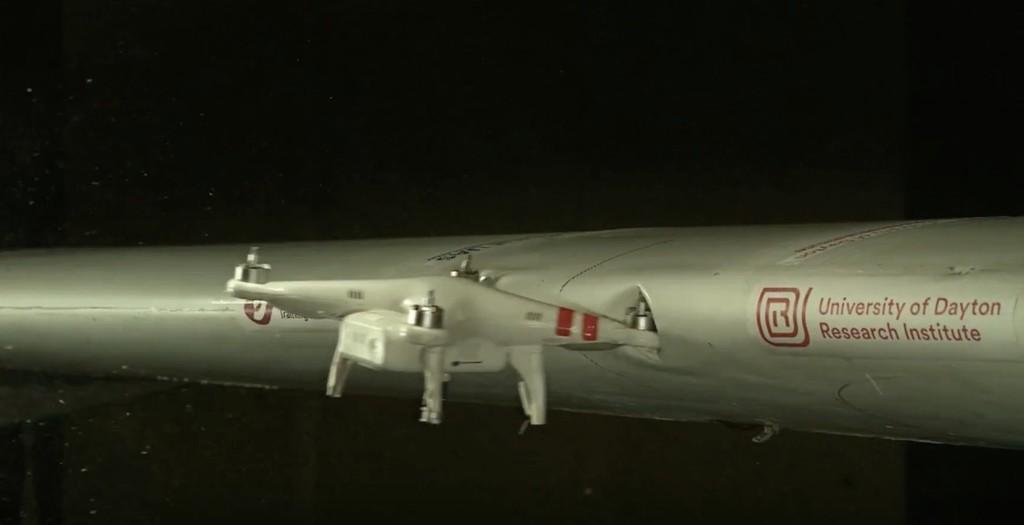 Permalink to Esto es lo que pasa cuando un drone choca contra el ala de un avión a una velocidad combinada de 380 km/h