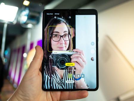 Samsung Galaxy Fold Selfie