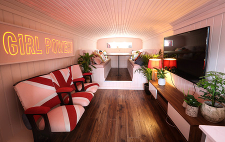 Airbnb Spice Girls Bus 22 3